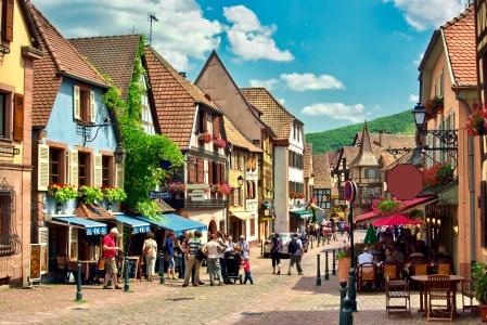 Scne urbaine  kaysersberg , Alsace (Fr).
