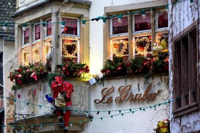 0depositphotos_23607757-stock-photo-christmas-decoration-strasbourg-alsace-france